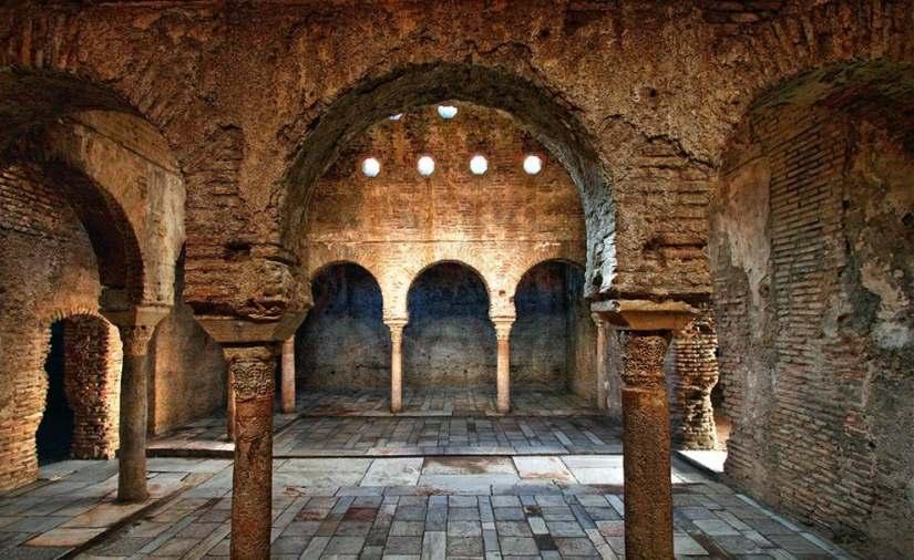 Baños Arabes De Granada   10 Monumentos Que Ver En Granada Una Vez En La Vida Experiencias
